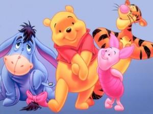 Pooh-300x225 Dúvida cruel: a (falta de) lógica das roupas dos cartoons Disney