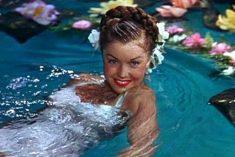 Crítica: Escola de Sereias (Bathing Beauty)