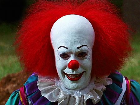 Pennywise_Evil_Grin Resenha: It - A Coisa